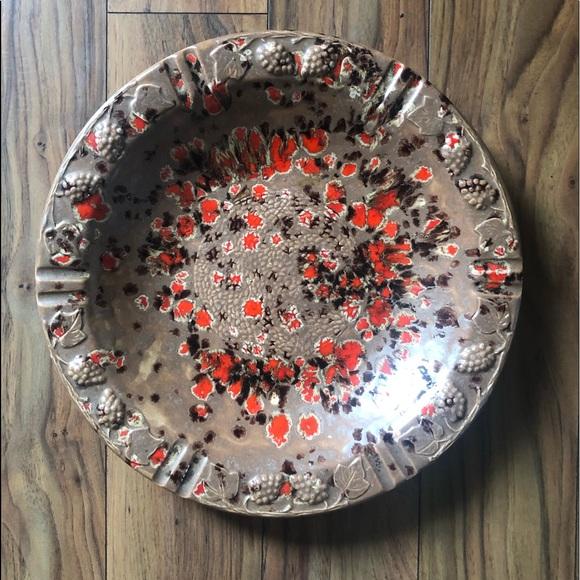 Vintage Mottled Glazed Round Bowl with Edge Detail